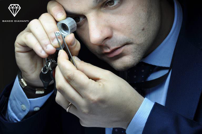 Diamanti senza certificato: come rivenderli?