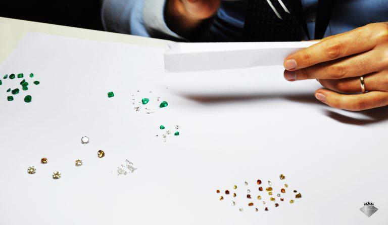 Volete conoscere i prezzi dei diamanti colorati?