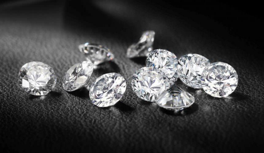 5 motivi per non vendere i diamanti all'asta