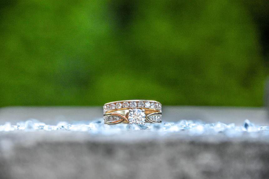 Conviene investire in oro o diamanti? A chi bisogna rivolgersi?