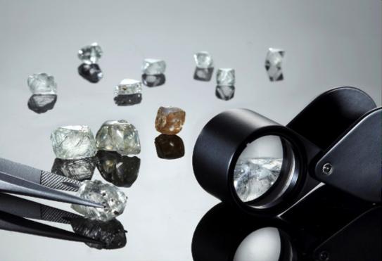 Compro diamanti a Roma con massima valutazione delle pietre