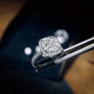 Valutazione gioielli di pregio, compro diamanti